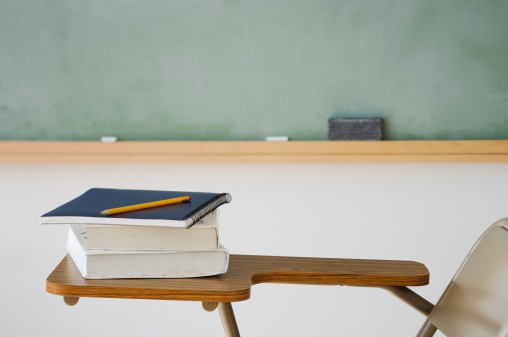 Chalk - Art Equipment「Books and pencil on desk in classroom」:スマホ壁紙(8)