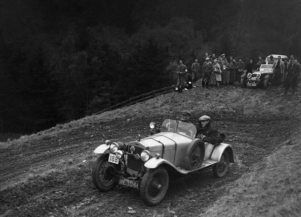 Hairpin Curve「Frazer-Nash Super Sports of KM Roberts competing in the MCC Edinburgh Trial, 1938」:写真・画像(11)[壁紙.com]