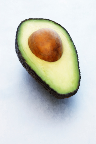 Avocado「Avocado cut in half, with stone, close-up」:スマホ壁紙(4)