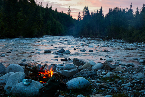 River「Mountain camp with bonfire. River in background」:スマホ壁紙(1)