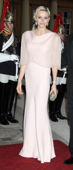 Clutch Bag「Foreign Sovereigns Attend Dinner to Commemorate the Diamond Jubilee」:写真・画像(18)[壁紙.com]