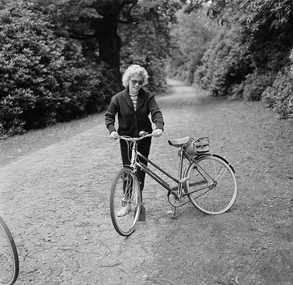 Lifestyles「Monroe With Bicycle」:写真・画像(15)[壁紙.com]