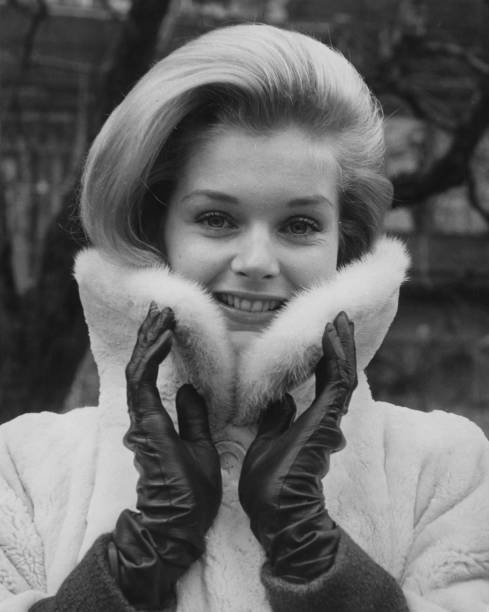 Fur Coat「Carol Lynley」:写真・画像(19)[壁紙.com]