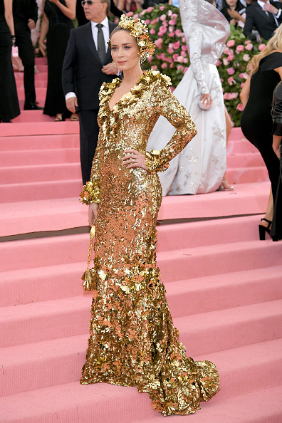 Gold Dress「The 2019 Met Gala Celebrating Camp: Notes on Fashion - Arrivals」:写真・画像(7)[壁紙.com]