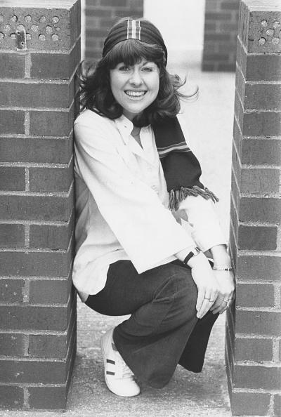 Squatting Position「Elisabeth Sladen」:写真・画像(18)[壁紙.com]
