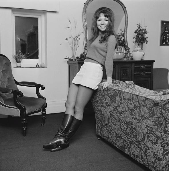 Skirt「Dilys Watling」:写真・画像(16)[壁紙.com]