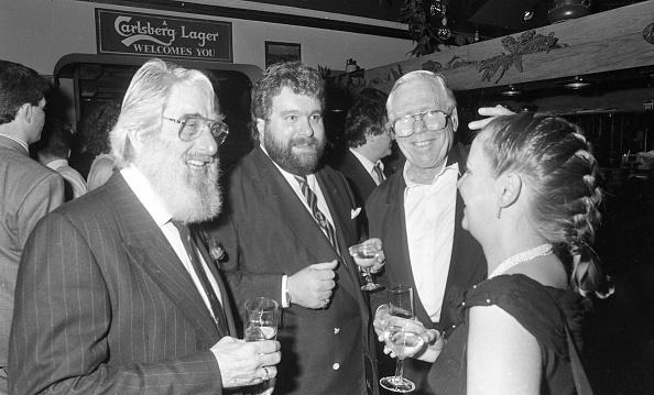 Comedian「Ronnie Drew and Brendan Grace at the U2 Film Premiere in the Savoy Cinema 1988」:写真・画像(12)[壁紙.com]