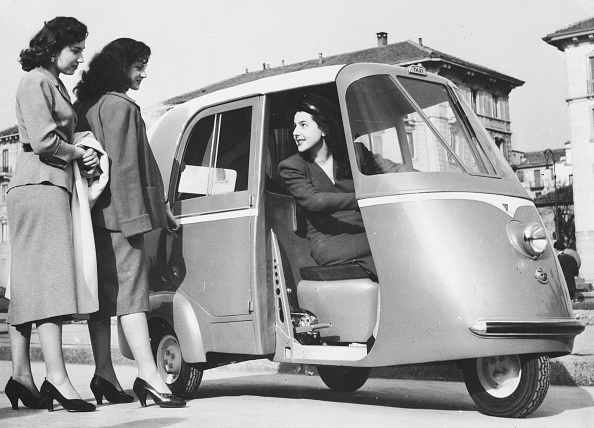 Black And White「Taxi-Scooter」:写真・画像(9)[壁紙.com]