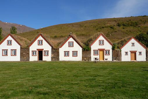 Indigenous Culture「Icelandic turf houses in Laufas near Akureyri,Iceland」:スマホ壁紙(16)