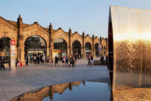 Railroad Station「Sheffield Railway Station, Yorkshire, UK」:写真・画像(4)[壁紙.com]