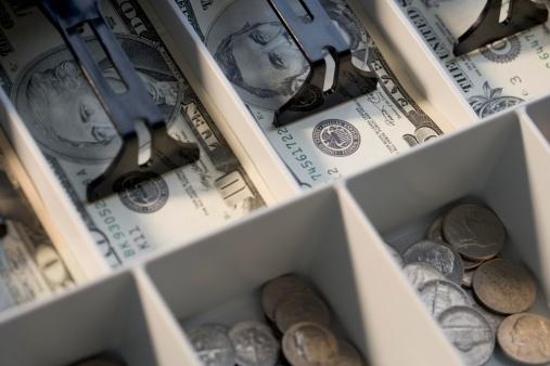 Sale「U.S. bills and coins in cash register」:スマホ壁紙(2)