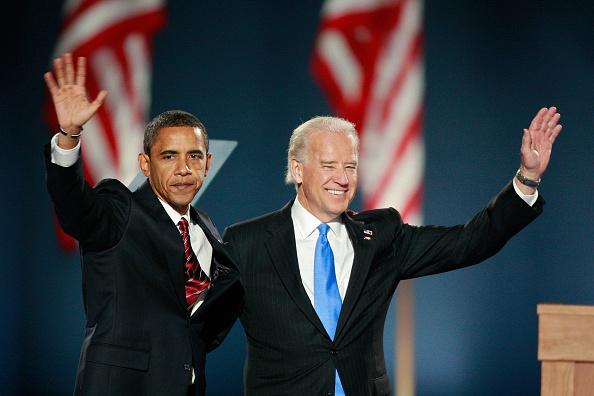 Barack Obama「Barack Obama Holds Election Night Gathering In Chicago's Grant Park」:写真・画像(12)[壁紙.com]