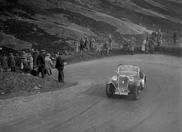 Hairpin Curve「Singer Le Mans competing in the RSAC Scottish Rally, Devil's Elbow, Glenshee, 1934」:写真・画像(13)[壁紙.com]