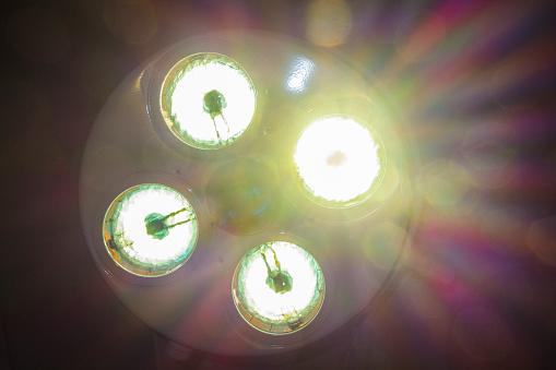 Surgery「Bright Lights In Operating Room」:スマホ壁紙(18)