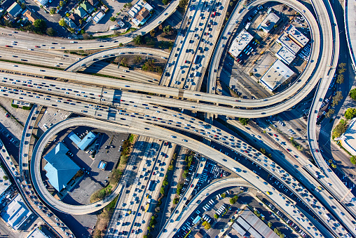 Helicopter Point of View「Busy Los Angeles Freeway Interchange Aerial」:スマホ壁紙(16)