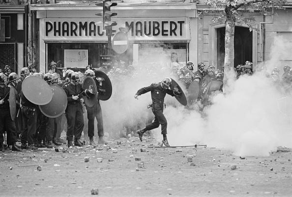 Paris - France「Riots in Paris, 1968」:写真・画像(5)[壁紙.com]