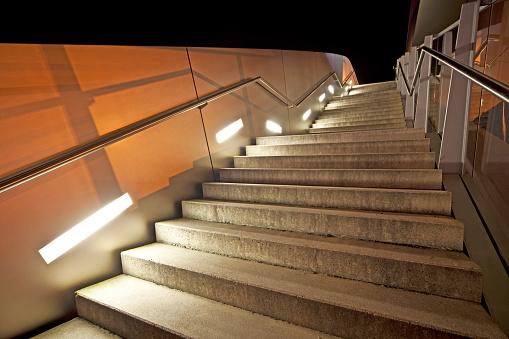 Footbridge「Staircase at night」:スマホ壁紙(1)