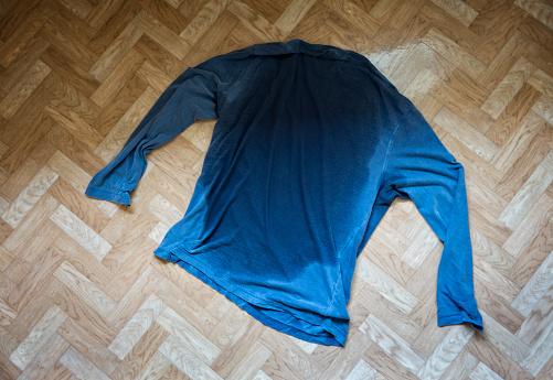 Effort「Sweat soaked shirt」:スマホ壁紙(3)