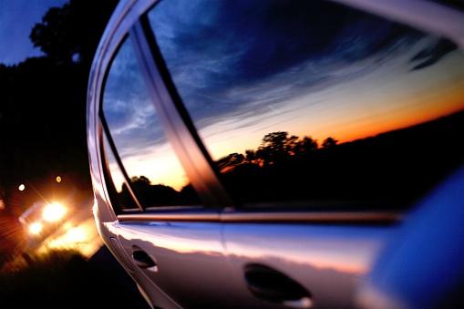 Pursuit - Concept「Sunset mirror in a car window」:スマホ壁紙(19)
