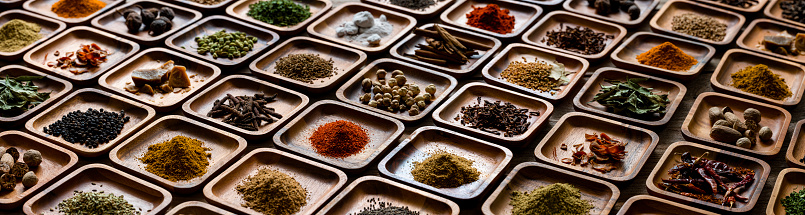 Fennel「Variety of colorful, organic, dried, vibrant Indian food spices in wooden trays on an old wood background.」:スマホ壁紙(2)