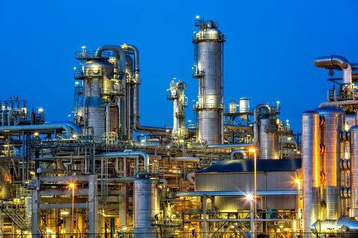 Chemical「Petrochemical plant at twilight」:スマホ壁紙(11)