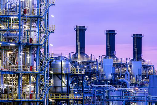 Chemical「Petrochemical plant at twilight」:スマホ壁紙(13)