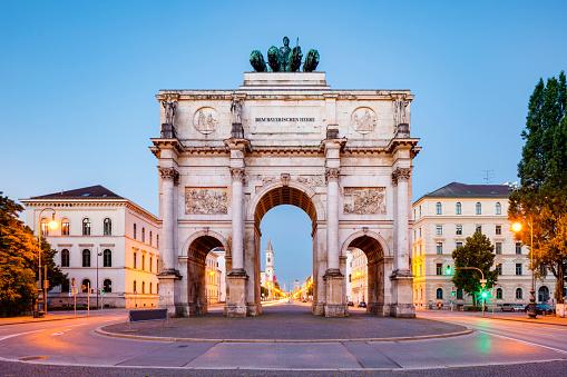 Arch - Architectural Feature「Siegestor, Munich」:スマホ壁紙(19)