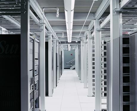 Data Center「interior shot of server room hallway」:スマホ壁紙(3)