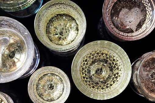 Crystal Glassware「Vintage Glasses of Champagne - Overhead」:スマホ壁紙(12)