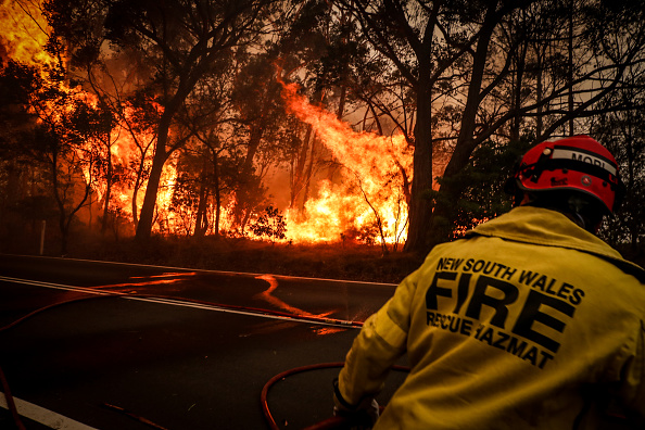 Flame「Gospers Mountain Fire At Emergency Level As Heatwave Continues」:写真・画像(17)[壁紙.com]