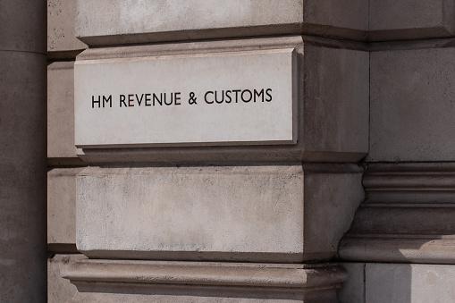 Politics「HM Revenue and Customs Building on Whitehall,Westminster.」:スマホ壁紙(5)