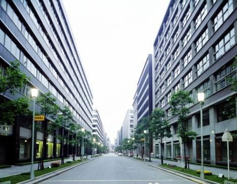 Tokyo - Japan「Marunouchi in the morning in Showa」:スマホ壁紙(1)