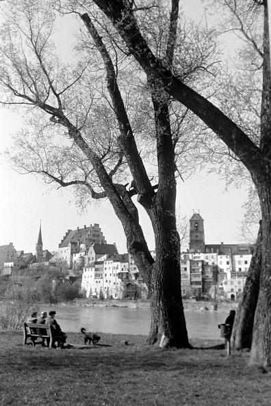 Bench「Visiting Wasserburg Am Inn」:写真・画像(15)[壁紙.com]