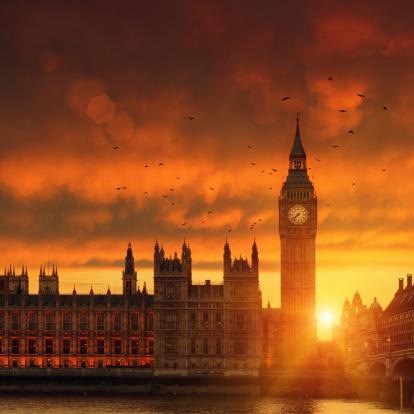 Flock Of Birds「Big Ben in London at sunset」:スマホ壁紙(18)