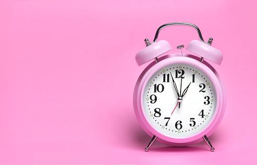 Pink Background「PINK ALARM CLOCK」:スマホ壁紙(10)