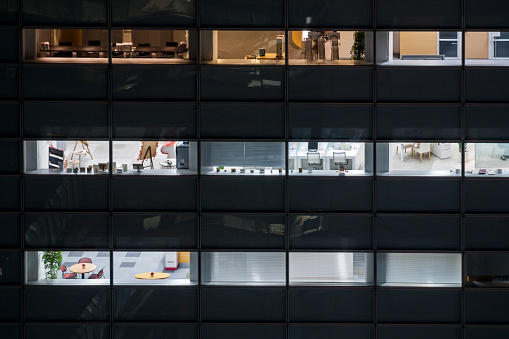 Tokyo - Japan「View into office windows at night」:スマホ壁紙(7)