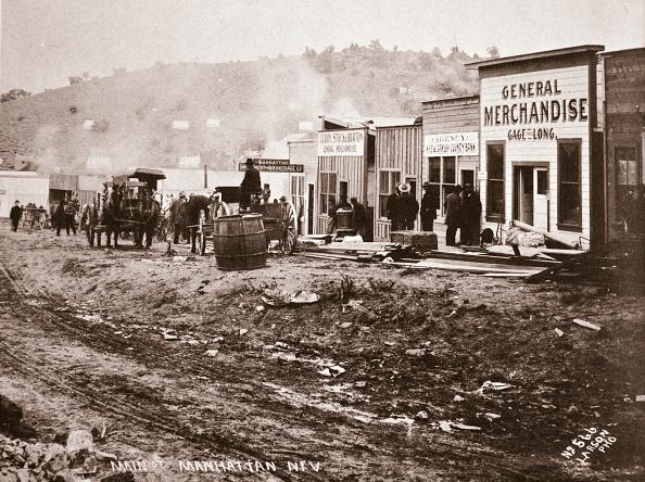 Town「Main Street Manhattan Nevada Early 1900s」:写真・画像(1)[壁紙.com]