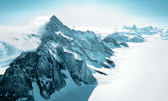 Greenland「Aerial shot of mountains covered with snow」:スマホ壁紙(17)