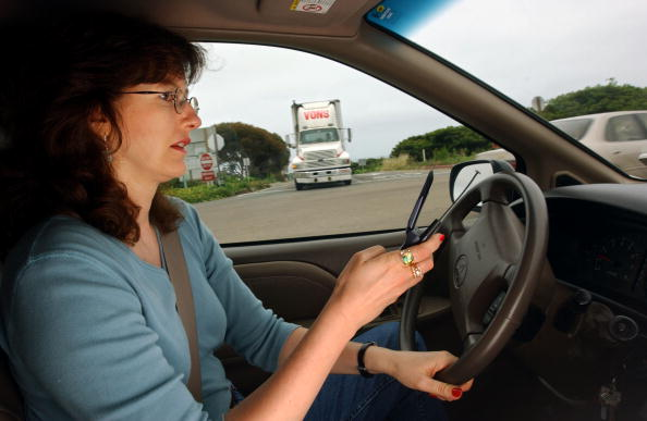 Driver - Occupation「California May Crackdown on Drivers with Cell Phones」:写真・画像(12)[壁紙.com]