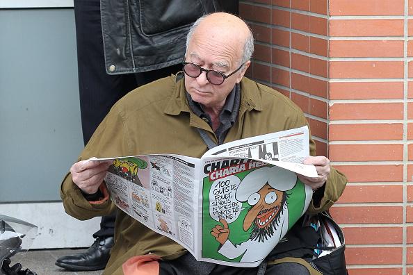 Charlie Hebdo「Offices of Satirical Magazine Petrol Bombed」:写真・画像(13)[壁紙.com]