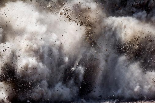Destruction「Blast of dirt and rocks」:スマホ壁紙(19)