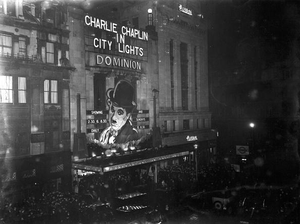 Illuminated「City Lights Premiere」:写真・画像(15)[壁紙.com]