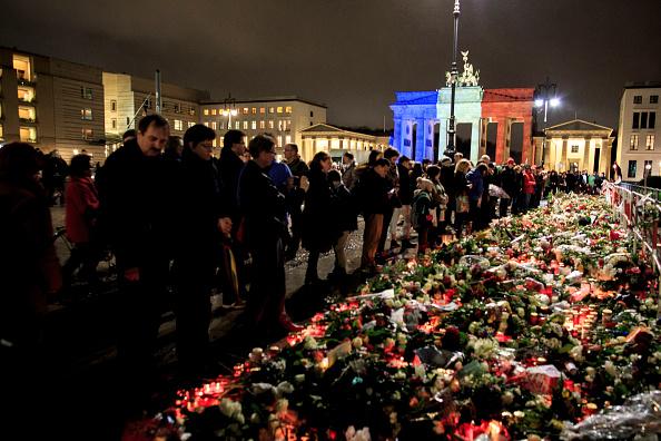 Paris - France「Global Reaction To Paris Terror Attacks」:写真・画像(0)[壁紙.com]