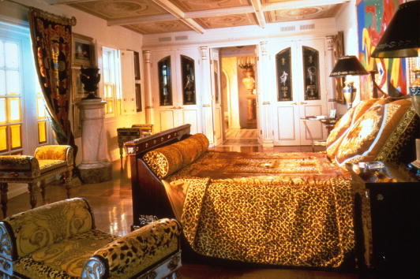 Sofa「Sotheby's Versace Auction」:写真・画像(18)[壁紙.com]