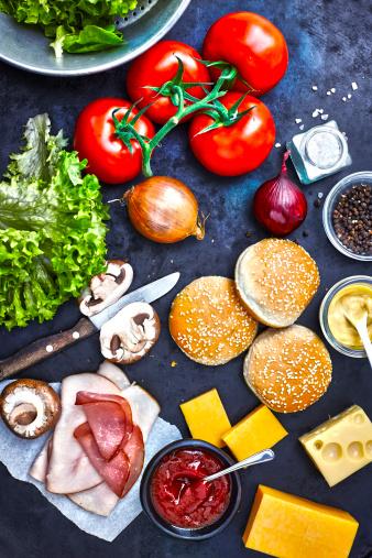 Edam Cheese「Ingredients of burgers on dark ground, elevated view」:スマホ壁紙(19)