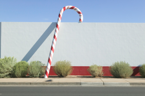 Candy Cane「Giant Candy Cane Beside Wall」:スマホ壁紙(10)