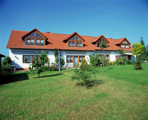 In A Row「row of single family houses」:写真・画像(6)[壁紙.com]