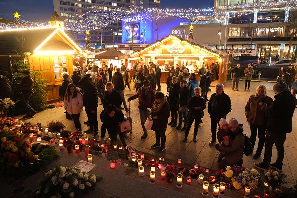 2016 Berlin Christmas Market Attack「Berlin Commemorates 2016 Christmas Market Terror Attack」:写真・画像(15)[壁紙.com]