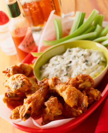 Chicken Wing「Buffalo wings with celery and roquefort dip」:スマホ壁紙(11)