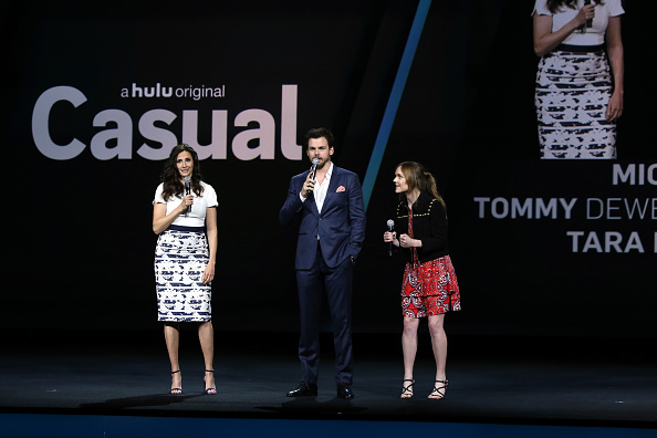 Bennett Raglin「2016 Hulu Upftont - Presentation」:写真・画像(8)[壁紙.com]